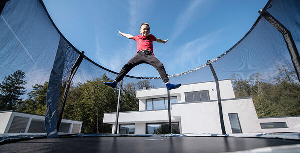 How_to_choose_the_right_size_of_trampoline_for_your_child-PIC01