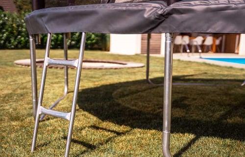 Trampoline-ladder-02